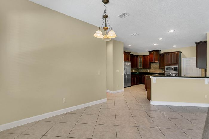 5408oakterracedrorlandofl3283918kitchenjpg