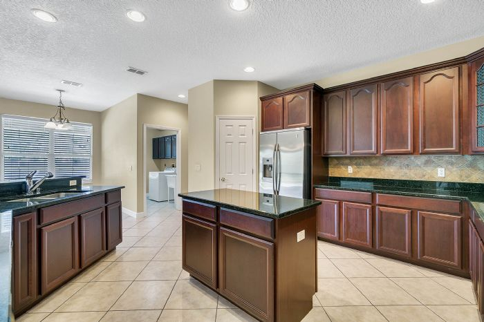 5408oakterracedrorlandofl3283920kitchenjpg