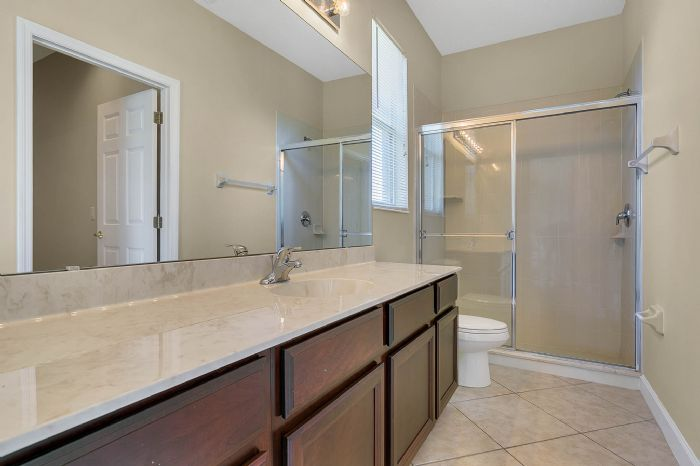 5408oakterracedrorlandofl3283928bathroomjpg