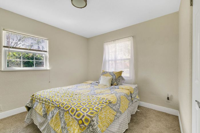 1818-baxter-ave--orlando--fl-32806---23---bedroom.jpg