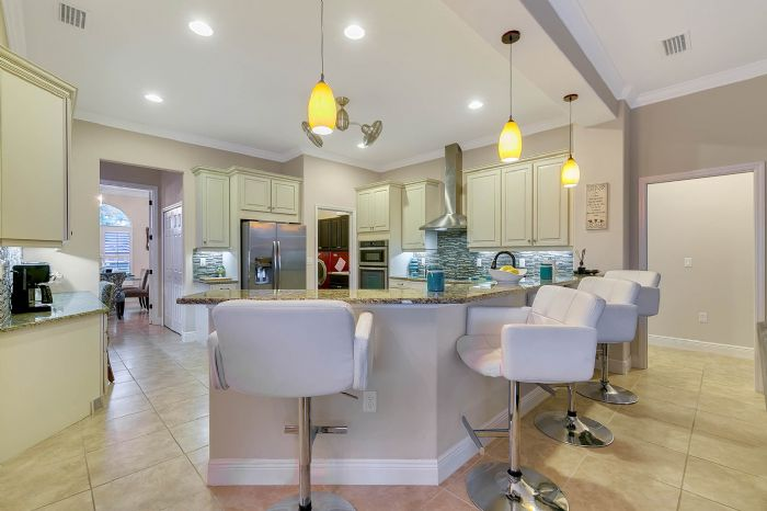 3017-isola-bella-blvd--mt-dora--fl-32757----22---kitchen.jpg