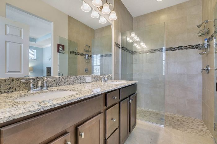 10508-burrows-st--orlando--fl-32832----21---master-bathroom.jpg