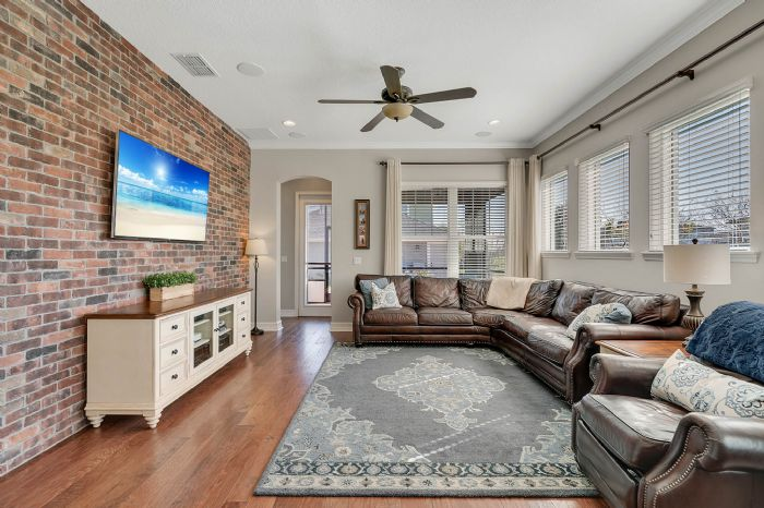13795-heaney-ave--orlando--fl-32827---16---family-room.jpg