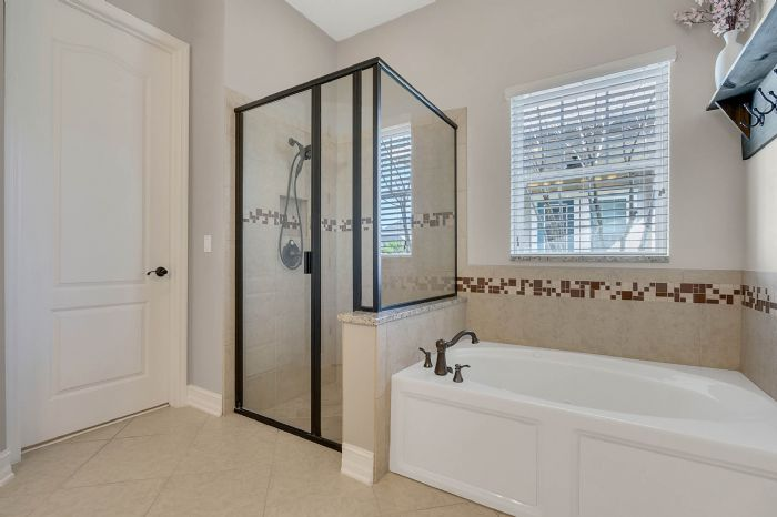 13795-heaney-ave--orlando--fl-32827---27---master-bathroom.jpg