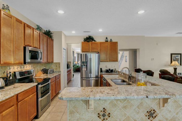 1151-marcello-blvd--kissimmee--fl-34746---18---kitchen.jpg