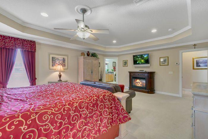 442-kentucky-blue-cir--apopka--fl-32712---21---master-bedroom.jpg