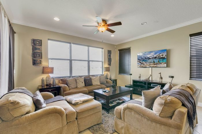 2829-sail-breeze-way--kissimmee--fl-34744---12---family-room.jpg