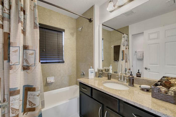 2829-sail-breeze-way--kissimmee--fl-34744---32---bathroom.jpg