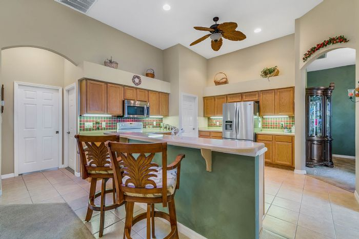25305-laurel-valley-rd--leesburg--fl-34748----14---kitchen.jpg