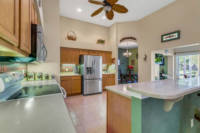 25305-laurel-valley-rd--leesburg--fl-34748----17---kitchen.jpg