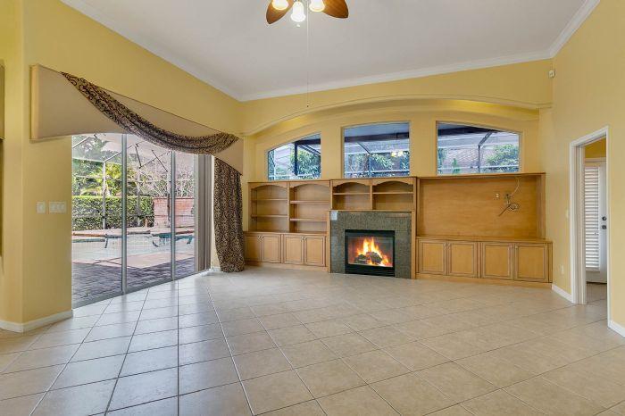 4939-kensington-park-blvd--orlando--fl-32819----11---family-room.jpg