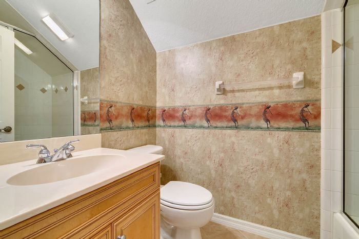 4939-kensington-park-blvd--orlando--fl-32819----27---bathroom.jpg