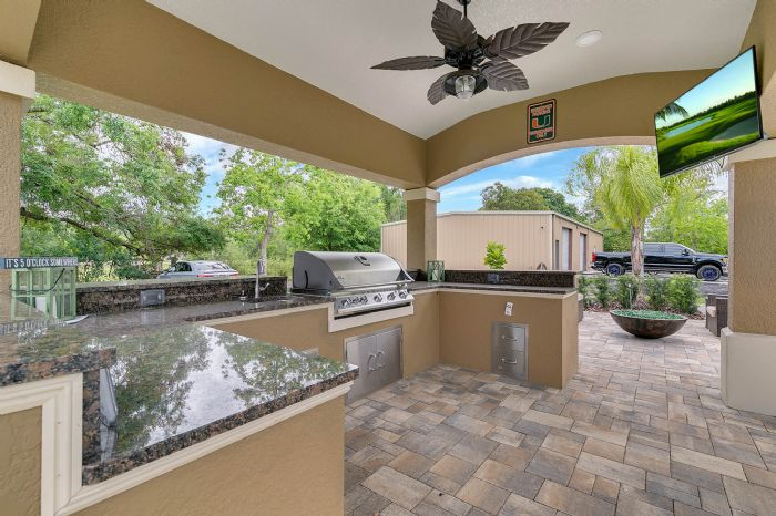 524-eden-park-rd--altamonte-springs--fl-32714---10---outdoor-kitchen.jpg