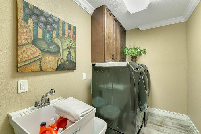 524-eden-park-rd--altamonte-springs--fl-32714---25---laundry-room.jpg