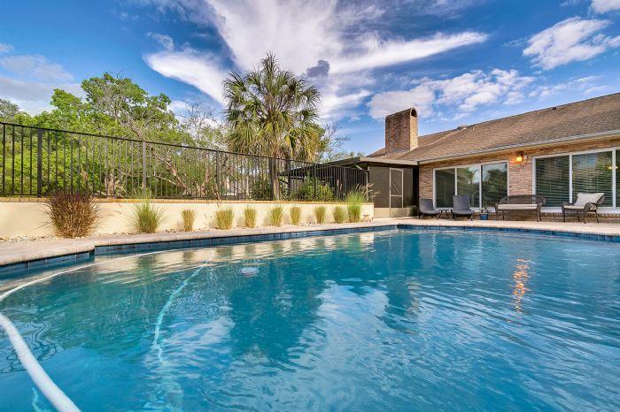 14127-country-estate-dr--winter-garden--fl-34787----06---pool.jpg