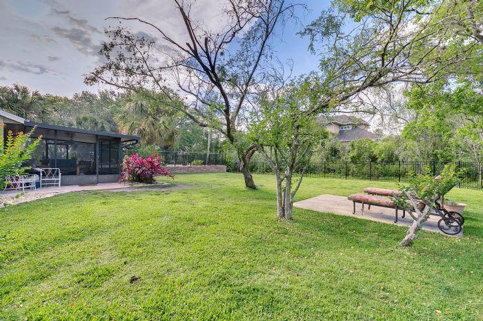 14127-country-estate-dr--winter-garden--fl-34787----07---backyard.jpg