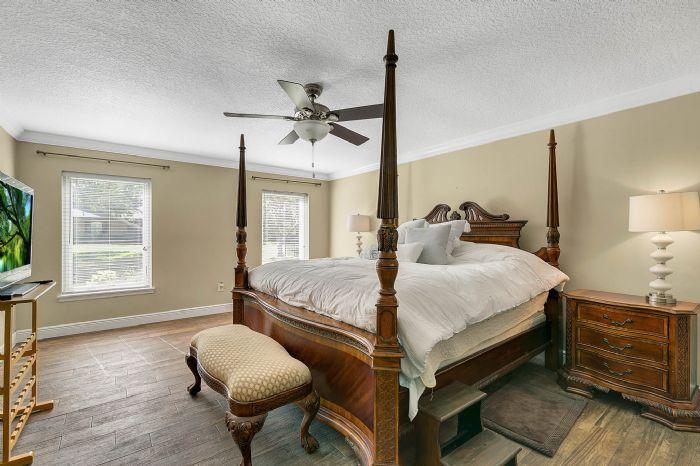 14127-country-estate-dr--winter-garden--fl-34787----22---master-bedroom.jpg