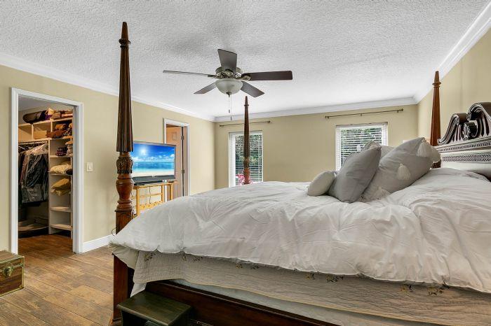 14127-country-estate-dr--winter-garden--fl-34787----23---master-bedroom.jpg