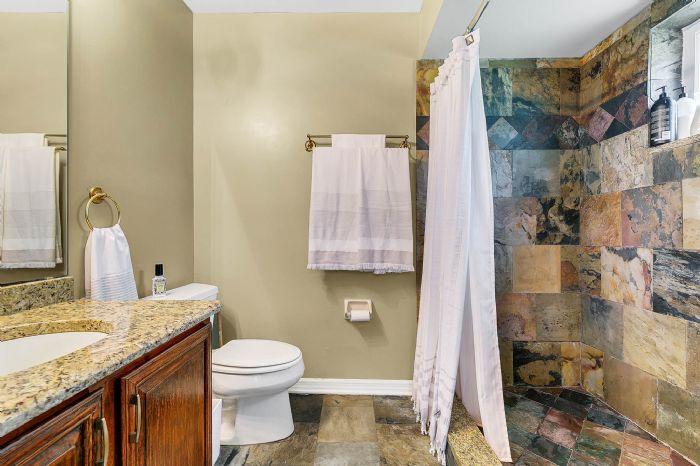 14127-country-estate-dr--winter-garden--fl-34787----26---master-bathroom.jpg