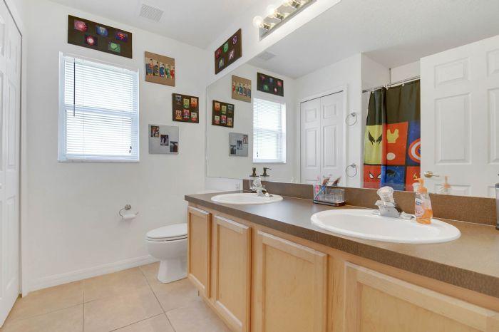 3690-fallscrest-cir--clermont--fl-34711----25---bathroom.jpg