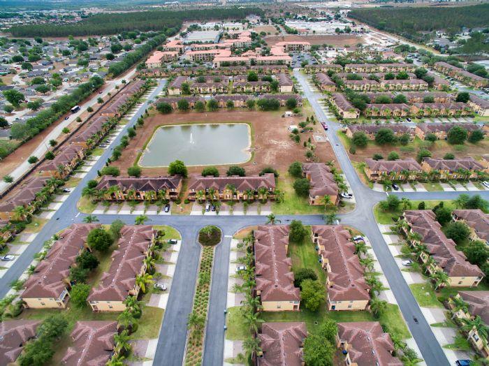 956-calabria-ave--davenport--fl-33897----09---aerial.jpg