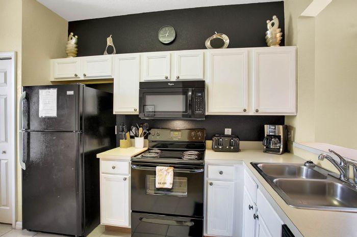 956-calabria-ave--davenport--fl-33897----10---kitchen.jpg