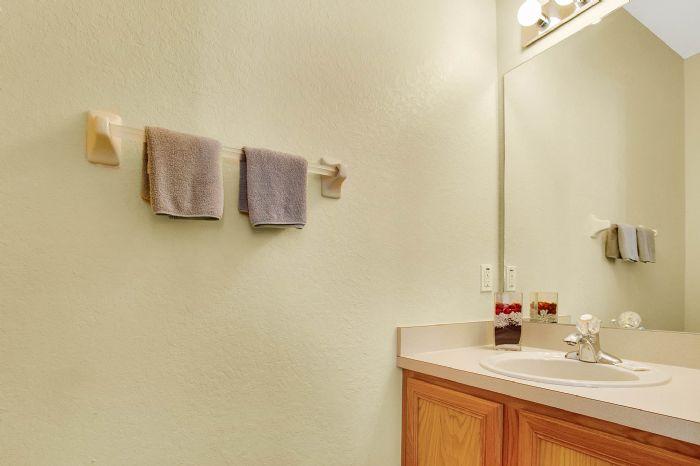 956-calabria-ave--davenport--fl-33897----21---bathroom.jpg