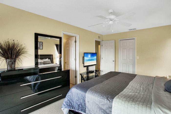 956-calabria-ave--davenport--fl-33897----28---master-bedroom.jpg