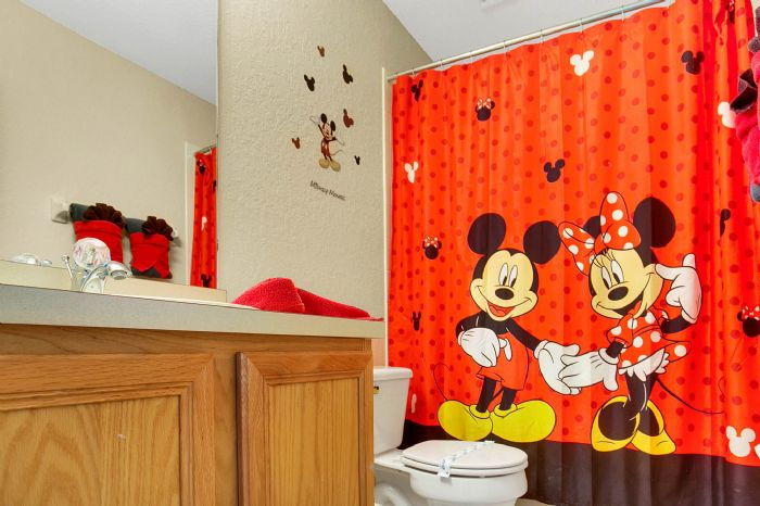 956-calabria-ave--davenport--fl-33897----34---bathroom.jpg