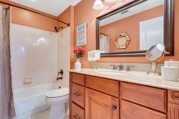 3930-brookmyra-dr--orlando--fl-32837----36---bathroom.jpg