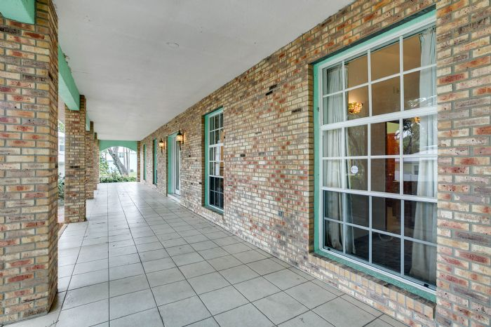 8915-riverlachen-way-riverview-fl-3357803front-porch.jpg