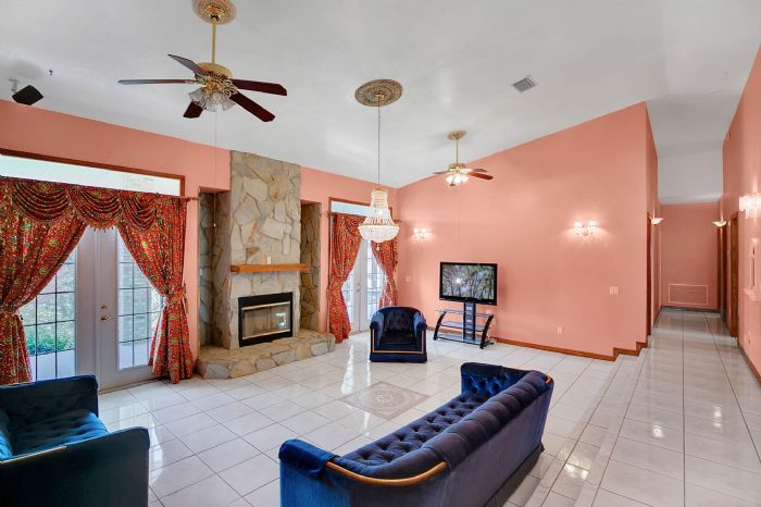 8915-riverlachen-way-riverview-fl-3357806living-room-2.jpg