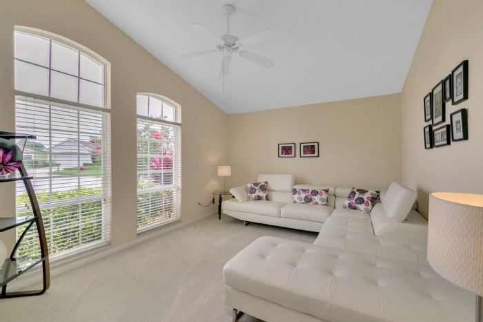 111-prestwick-drive-davenport--fl-33897---14---living-room.jpg
