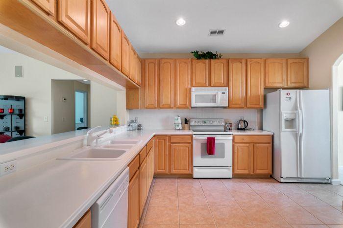111-prestwick-drive-davenport--fl-33897---16---kitchen.jpg
