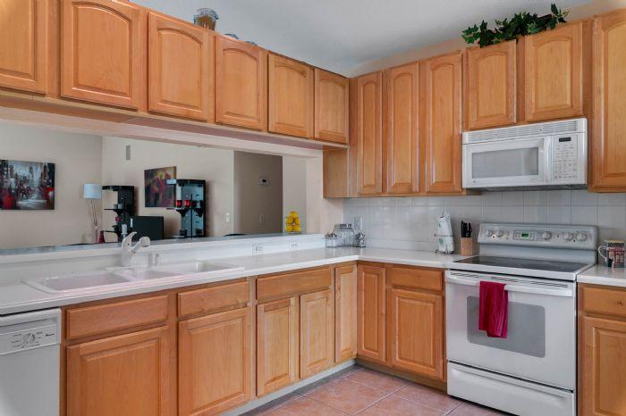 111-prestwick-drive-davenport--fl-33897---17---kitchen.jpg