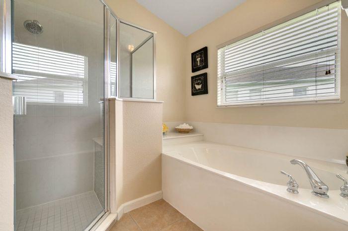 111-prestwick-drive-davenport--fl-33897---28---master-bathroom.jpg
