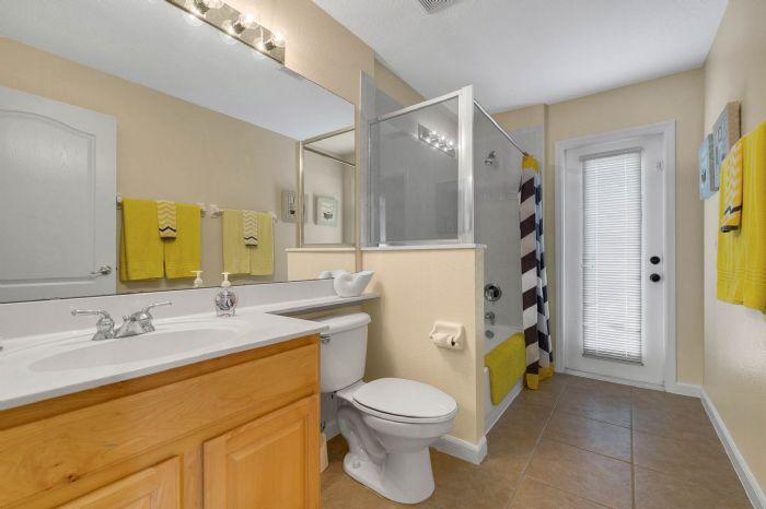 111-prestwick-drive-davenport--fl-33897---33---bathroom.jpg