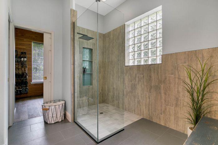 601-pine-hill-blvd--geneva--fl-32732----23---master-bathroom.jpg