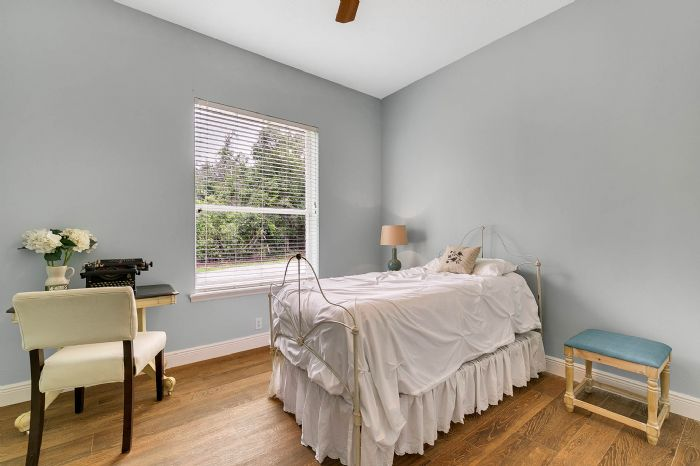 601-pine-hill-blvd--geneva--fl-32732----24---bedroom.jpg