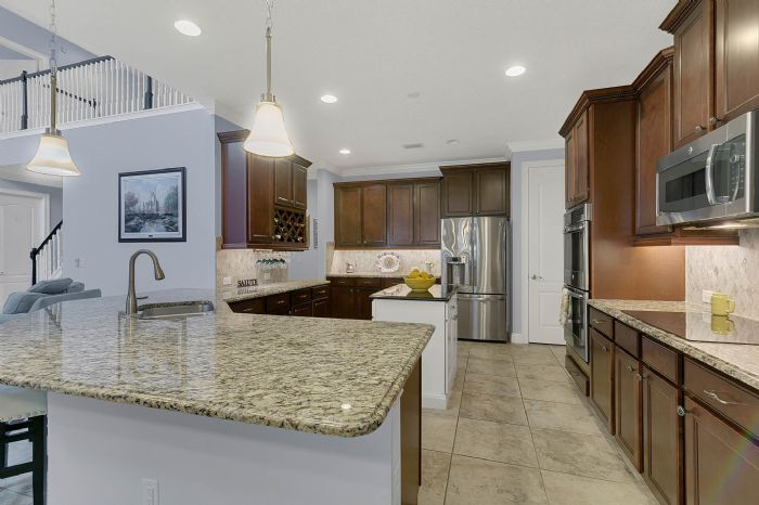7593-lake-albert-dr--windermere--fl-34786---20.1---kitchen.jpg