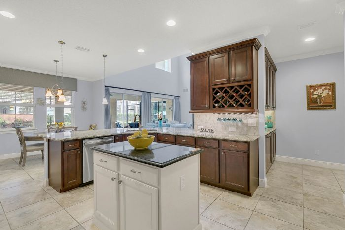 7593-lake-albert-dr--windermere--fl-34786---21---kitchen.jpg