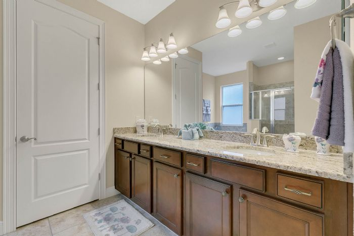 7593-lake-albert-dr--windermere--fl-34786---26---master-bathroom.jpg