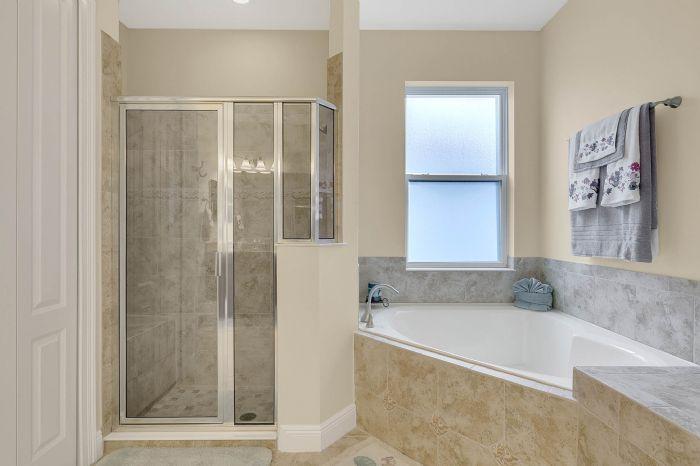7593-lake-albert-dr--windermere--fl-34786---27---master-bathroom.jpg