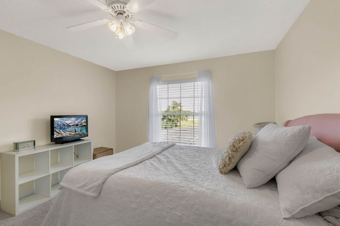 36409-e-eldorado-lake-dr--eustis--fl-32736---35---bedroom.jpg