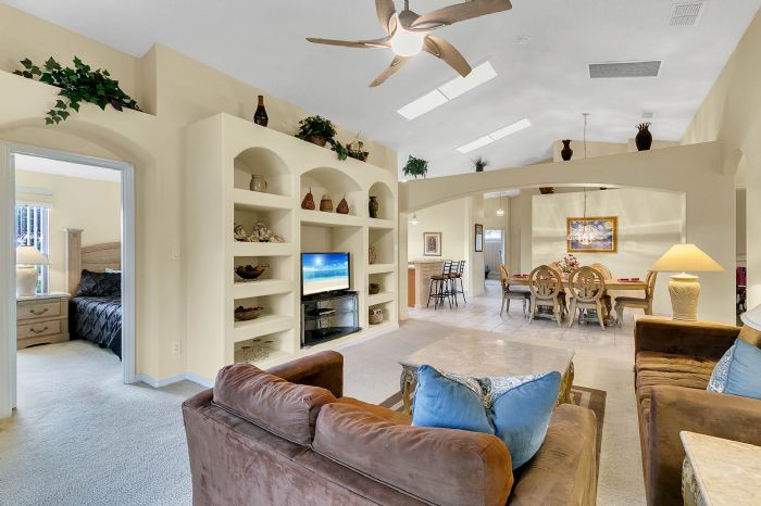 2915-anhinga-hill-st--clermont--fl-34714----04---family-room.jpg