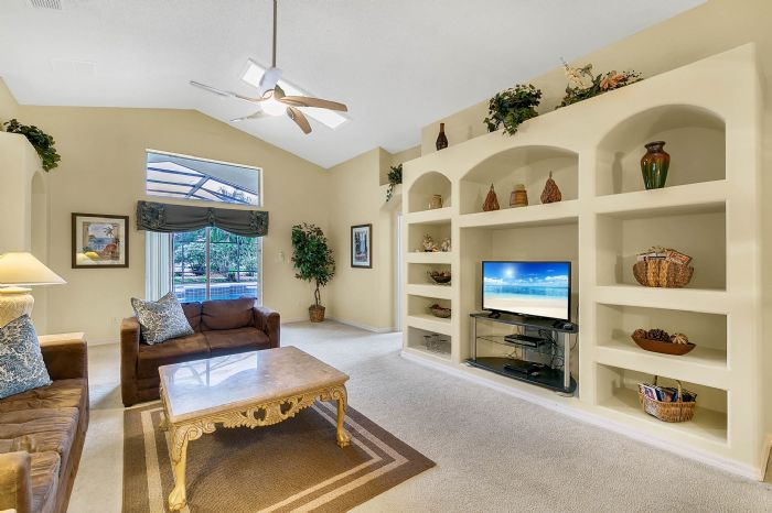 2915-anhinga-hill-st--clermont--fl-34714----05---family-room.jpg