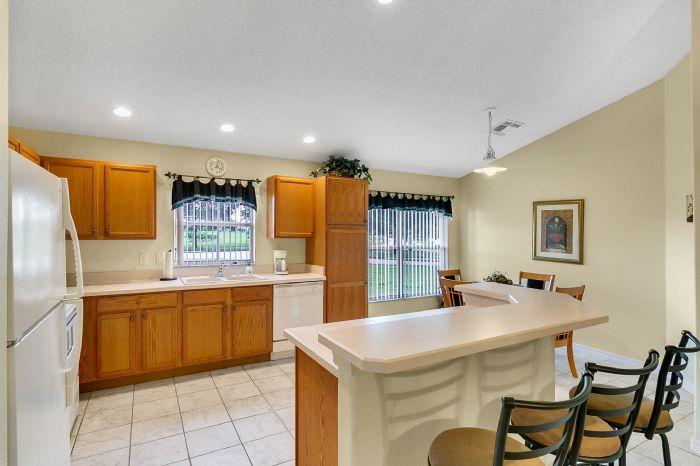 2915-anhinga-hill-st--clermont--fl-34714----09---kitchen.jpg