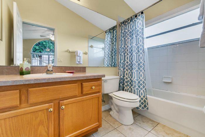2915-anhinga-hill-st--clermont--fl-34714----23---bathroom.jpg
