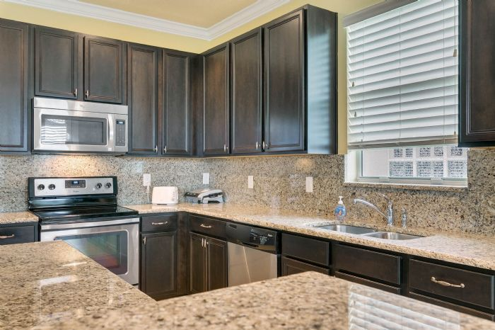 15734-starlite-st--clermont--fl-34714----14---kitchen.jpg