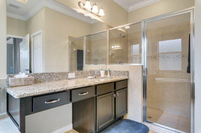 15734-starlite-st--clermont--fl-34714----19---master-bathroom.jpg